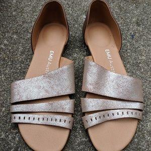 EMU Australia Gold & Tan Open Toe Sandals 9W NWOT